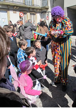 És tradicional anar disfressat a la festa.És Carnaval! / © Gg