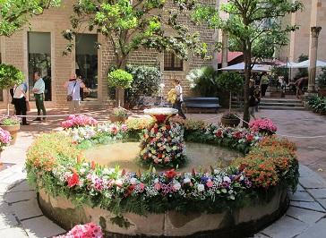 Jardins del Museu Frederic Marès, a la plaça de Sant Iu. / © Gg