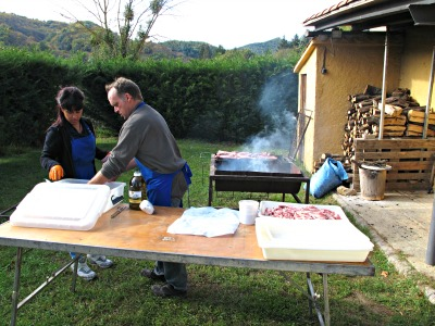 Menú d'avui: carn a la brasa. I un bon glop d'aires sans de Les Guilleries! /© Gg