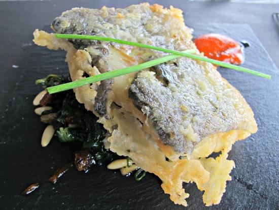 Bacallà a la Manresana, una recepta antiga amb espinacs. Restaurant Oller del Mas, de Manresa /© Gg
