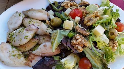 Al Berenador hi trobareu amanides originals i carns ben acompanyades. I plats combinats ben complerts!/© Gg